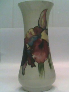 unusual-moorcroft-vase