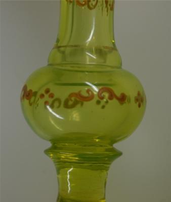 Decoration on Vase Knop