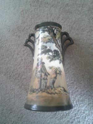 royal-doulton-vase